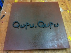 Qupu Qupu ステンレスサイン 05